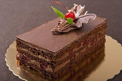 ciasto tortowe z wisnia